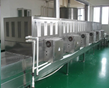 Fast low temperature microwave thawing equipment